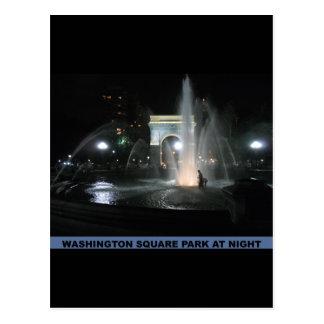Parque cuadrado de Washington en la noche NYC Postal