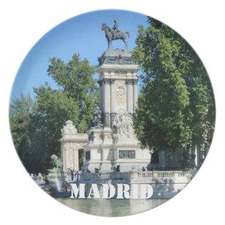 Parque de Retiro, Madrid, España Platos Para Fiestas