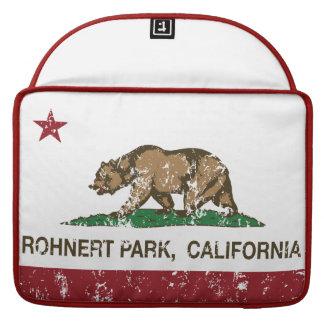 Parque de Rohnert de la bandera del estado de Cali Funda Macbook Pro