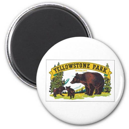 Parque de Yellowstone con el anuncio del oso Iman