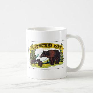 Parque de Yellowstone con el anuncio del oso Taza