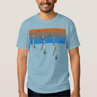 Parque eólico en el dril de algodón azul playera