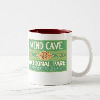 Parque nacional de la cueva del viento taza de dos tonos