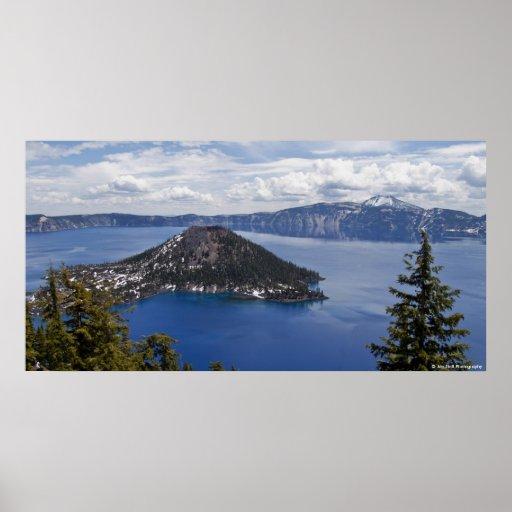 Parque nacional de la isla del mago - lago crater posters