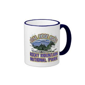 Parque Nacional de las Montañas Rocosas del camino Taza A Dos Colores