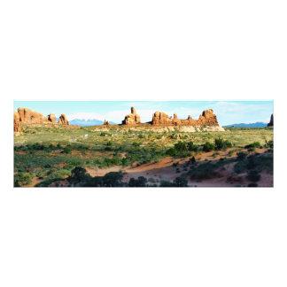 Parque nacional de los arcos de una distancia fotografía