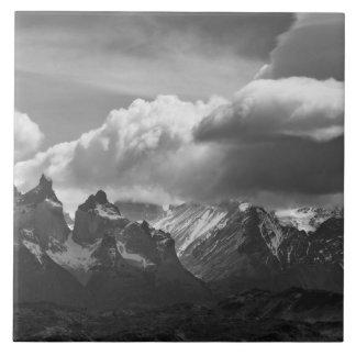 Parque nacional de Torres Del Paine, Cuernos y Azulejo Cuadrado Grande