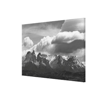 Parque nacional de Torres Del Paine, Cuernos y Lienzo Envuelto Para Galerías