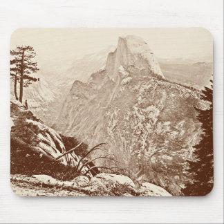 Parque nacional de Yosemite del vintage Tapetes De Ratones