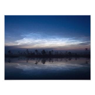 Parque nacional Estonia de Soomaa de las nubes noc Foto