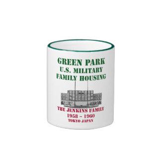 Parque verde Japón la familia de Jenkins Taza A Dos Colores