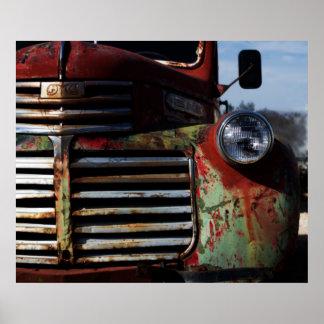 Parrilla vieja del camión póster