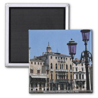 Parroquia de ciudad medieval pintoresca Venecia Imanes Para Frigoríficos