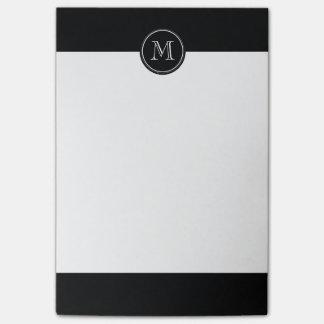 Parte alta negra inicial del monograma coloreada nota post-it