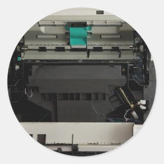 Parte del interior electrónico de una impresora pegatina redonda