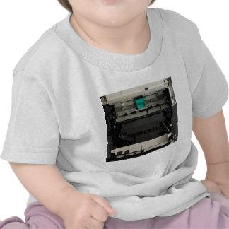 Parte del interior electrónico de una impresora camiseta