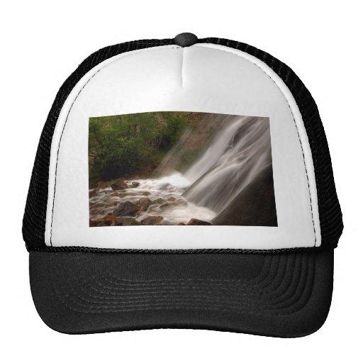 Parte inferior de caídas gorra