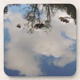 """Parte inferior - de - vidrio """"el cielo en el agua  posavaso"""