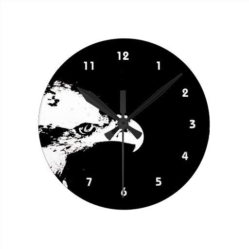 parte posterior gráfica blanca del negro de la der reloj