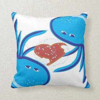 Parte y asimiento azules del amor de las medusas almohadas
