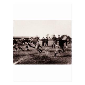 Partido de fútbol del vintage postal