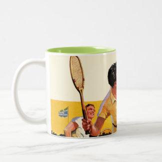 Partido del tenis de los dobles taza de café de dos colores
