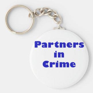 Partners - adentro - crimen llavero
