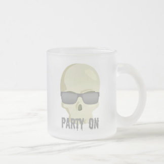 PARTY ON SKULL AND SUNGLASSES PRINT FROSTED GLASS COFFEE MUG
