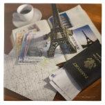 Pasaporte y objetos de recuerdo azulejo cuadrado grande