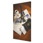 Pasaporte y objetos de recuerdo impresion de lienzo