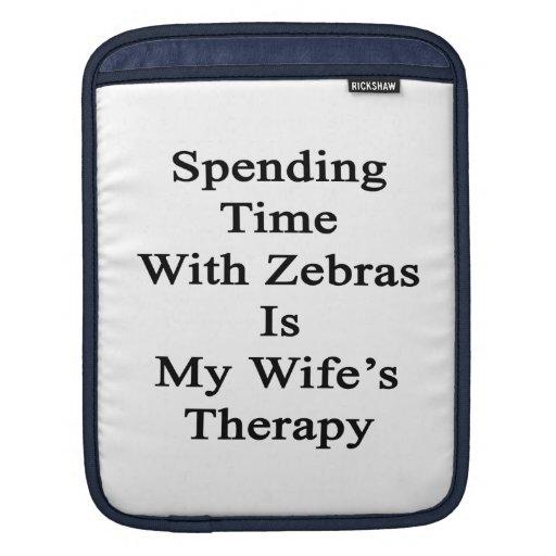 Pasar tiempo con las cebras es la terapia de mi es funda para iPads