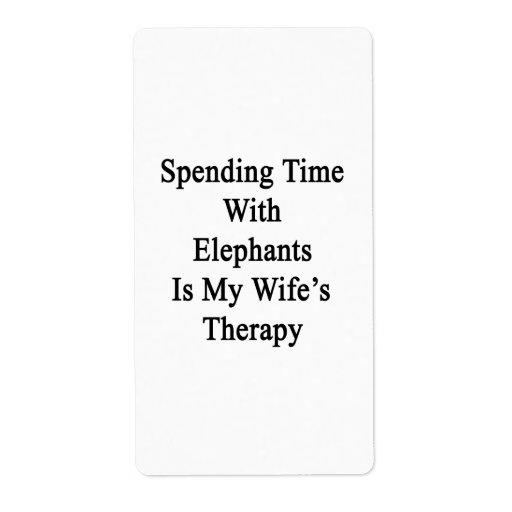 Pasar tiempo con los elefantes es la terapia de mi etiquetas de envío