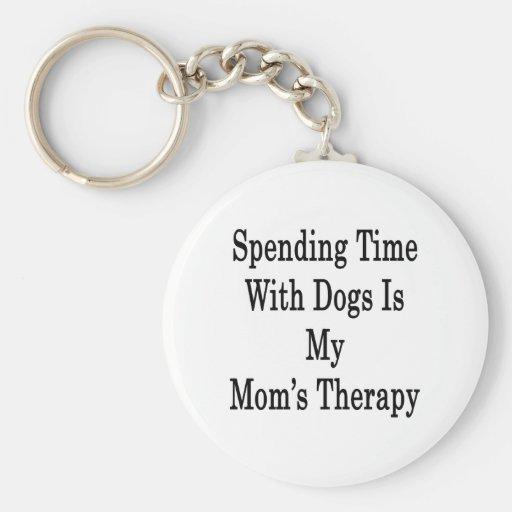 Pasar tiempo con los perros es la terapia de mi ma llaveros personalizados
