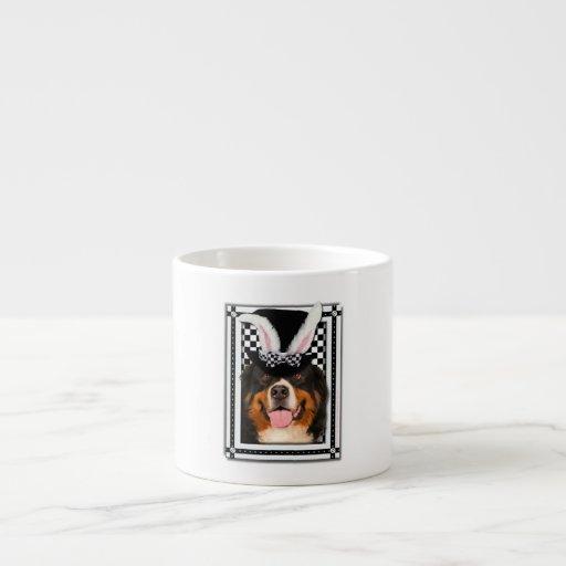 Pascua - algún conejito le ama - Bernie Tazitas Espresso