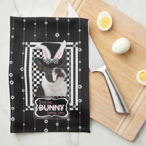 Pascua - algún conejito le ama - Boston Terrier Toallas De Mano