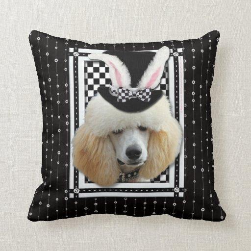 Pascua - algún conejito le ama - caniche - albaric cojines