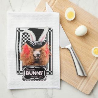 Pascua - algún conejito le ama - caniche - rojo toallas de cocina