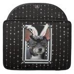 Pascua - algún conejito le ama - chihuahua fundas para macbooks