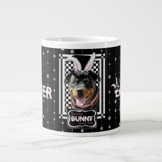 Pascua - algún conejito le ama - Rottweiler Taza De Café Gigante