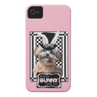 Pascua - algún conejito le ama - ShihPoo iPhone 4 Case-Mate Cárcasas