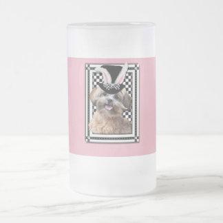 Pascua - algún conejito le ama - ShihPoo Taza De Cristal