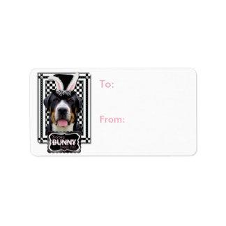 Pascua - algún conejito le ama - Swissie Etiqueta De Dirección