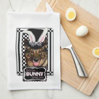 Pascua - algún conejito le ama - Vallhund Toalla