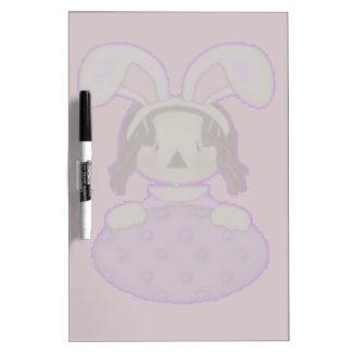 Pascua Annie con el huevo púrpura enorme Pizarra Blanca