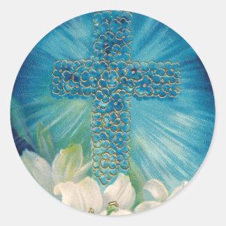 Pascua con la cruz y los lirios etiquetas redondas
