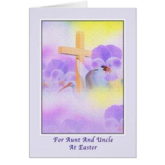 Pascua de la tía y de tío con las flores y la cruz tarjeta de felicitación