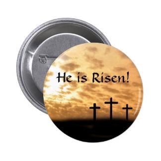 """Pascua """"él es"""" botón, cruces y puesta del sol subi pin redondo de 2 pulgadas"""