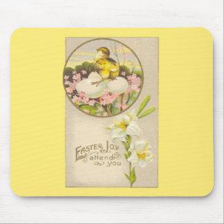 Pascua - el polluelo y los huevos suben un árbol - tapete de raton