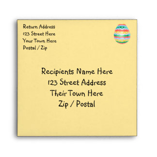 Pascua envuelve sobres de encargo del huevo de