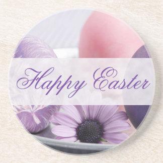 Pascua feliz adornó los prácticos de costa de los  posavasos para bebidas
